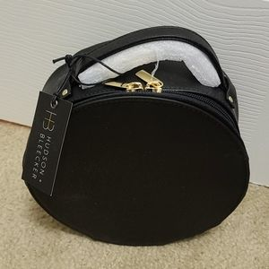 NWT Hudson and Bleecker Preto Nomad Travel Case